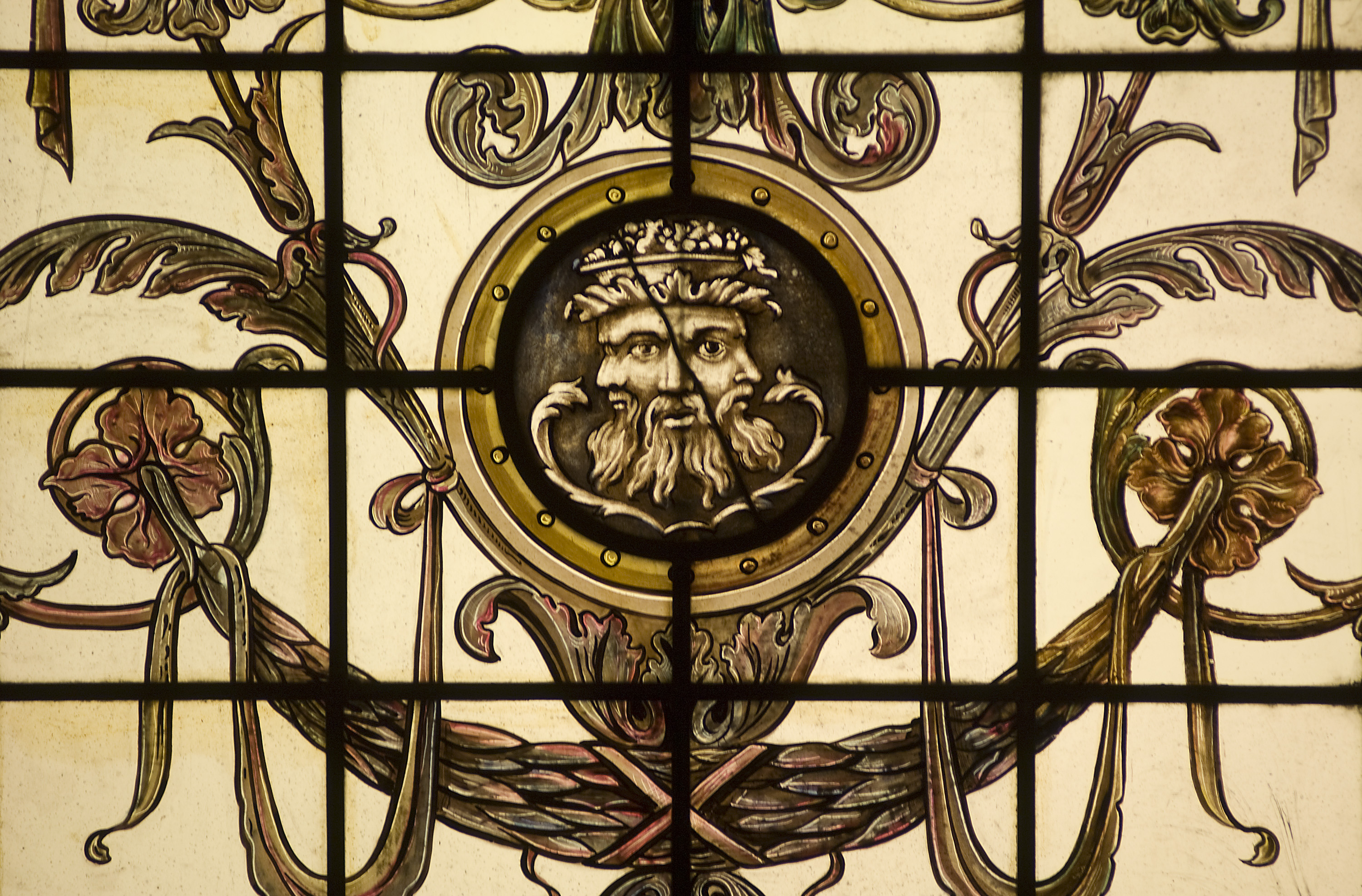 Image_of_Glass_Panel_Depicting_the_Roman_God_Janus_The_Hermitage_Hotel_1908_Historic_Hotels_of_America_in_Nashville_Tennessee.jpg